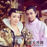 Penggambaran Wu Zetian dan Zhang Yizi oleh dua orang artis